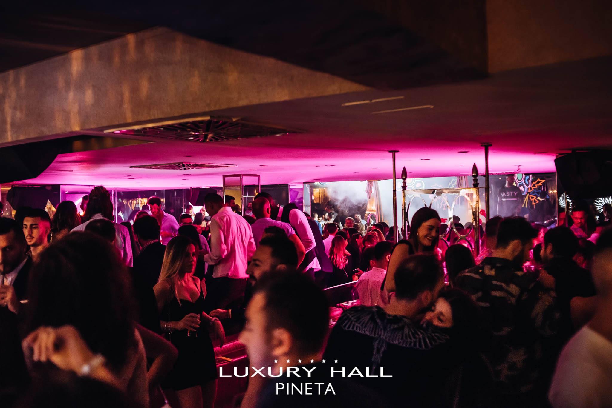 La Notte Rosa 2020 al Pineta Club di Milano Marittima