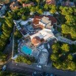Byblos Riccione, il grande Sabato notte in collina