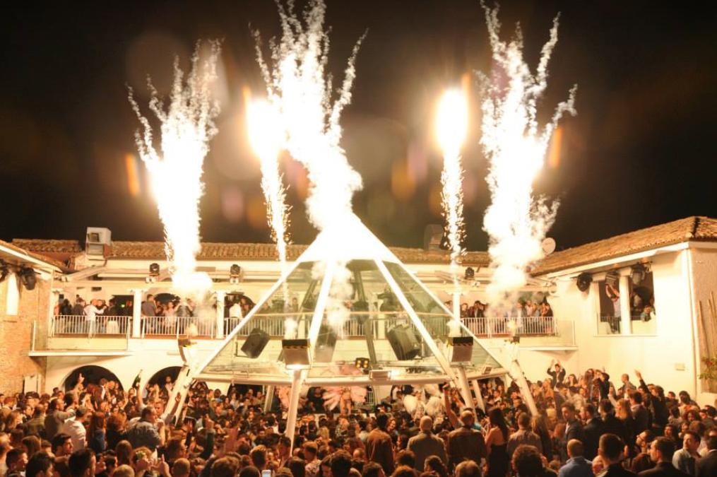Discoteca Villa Delle Rose Riccione, Closing White Party