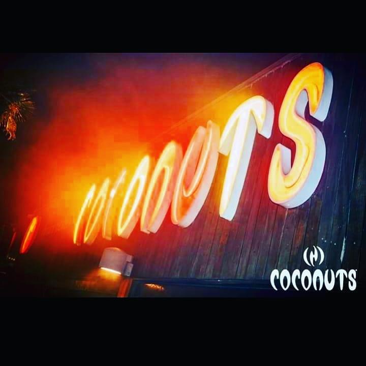 Giovedì al Coconuts
