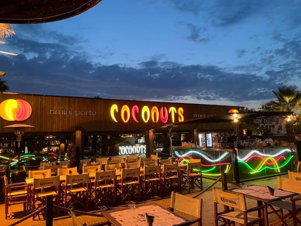 La magica movida di Rimini, Discoteca Coconuts