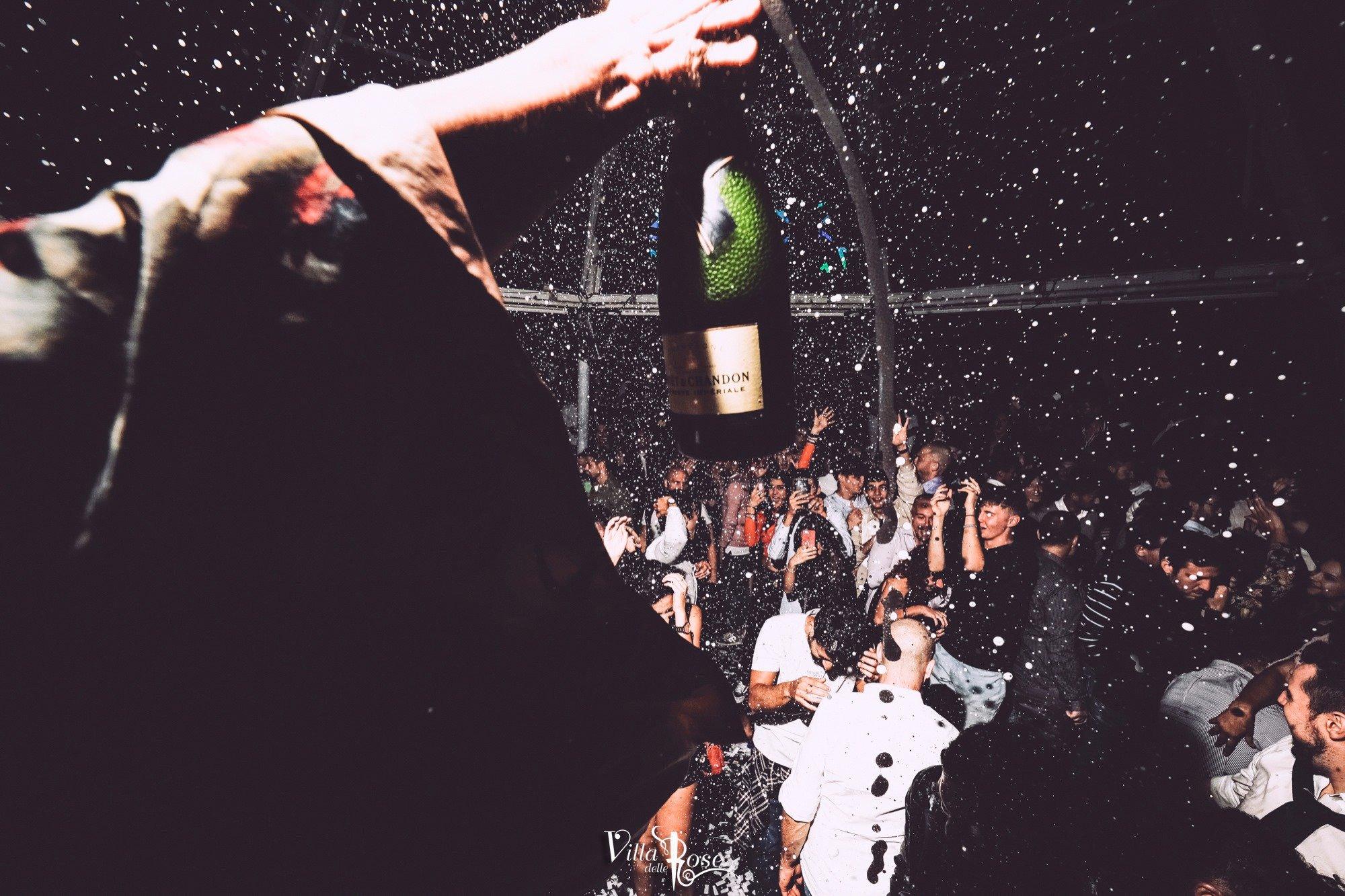 La notte fashion della discoteca Villa Delle Rose di Riccione
