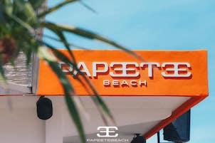 La spiaggia più famosa d'italia il Papeete Milano Marittima