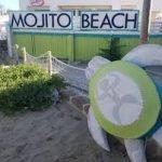 La festa in spiaggia del Mojito beach di Riccione